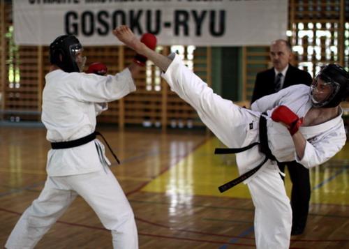 karate sportowe dzieci kobiet seniorów