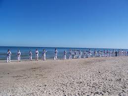 trening sztuk walki nad morzem