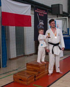 Dwa pokolenia - tata i syn, zawodnicy Warszawskiego Centrum Karate