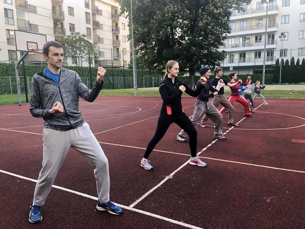 trening karate na Saskiej Kę Zwycięzców 44pie